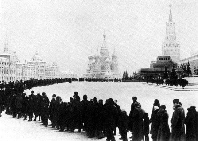 La mort de Lenin. La Plaça Roja