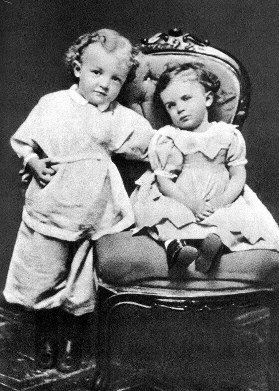 4-year-old V. Ulyanov with sister Olga. Simbirsk, 1874.