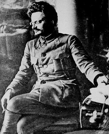 https://www.marxists.org/archive/trotsky/photo/t1920a.jpg