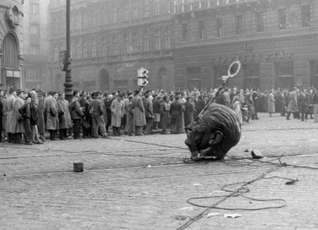 stalin_down dans Modèle soviétique/démocraties populaires