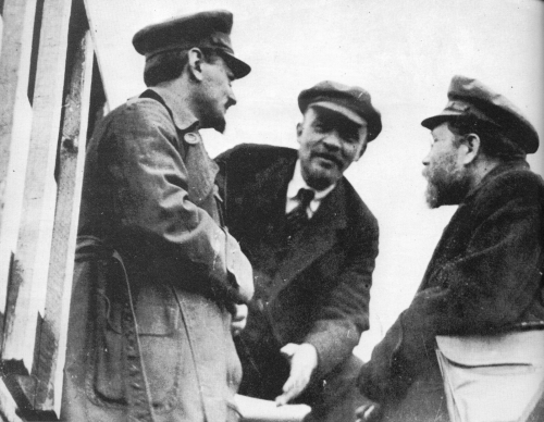 lenin and the control of the bolshevisks Why did the bolsheviks revolt in 1917 through such events lenin, was able to take full control for the bolsheviks the bolsheviks started off.